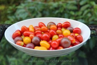 Cherry tomatoes for the caprese filling
