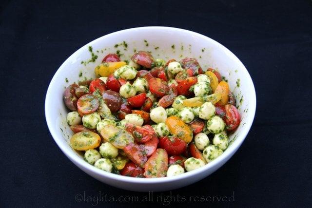 Relleno de tomates y mozzarella a la capresa