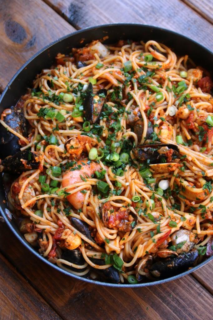 Seafood spaghetti or tallarines marineros