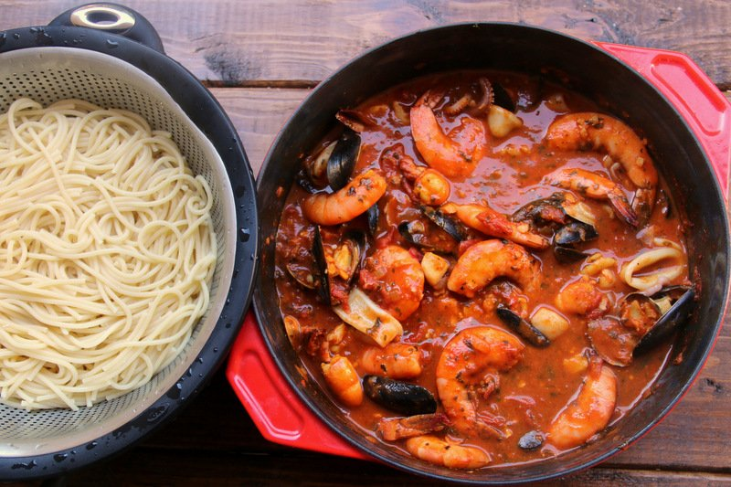 Spaghetti aux fruits de mer tallarines con mariscos recettes de laylita - Tagliatelles aux fruits de mer recette italienne ...