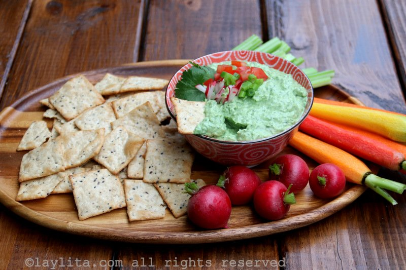 Spicy avocado yogurt dip recipe