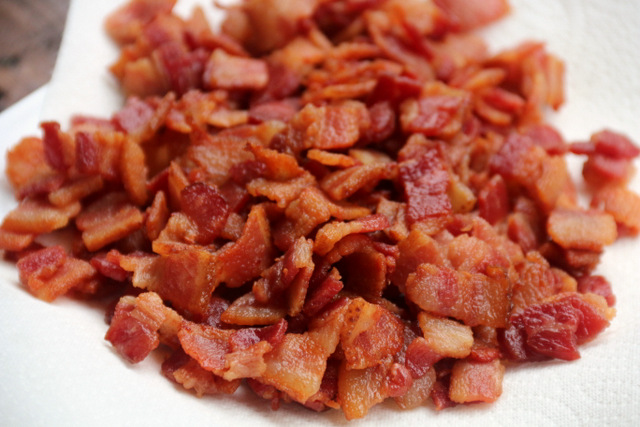 Crispy bacon pieces