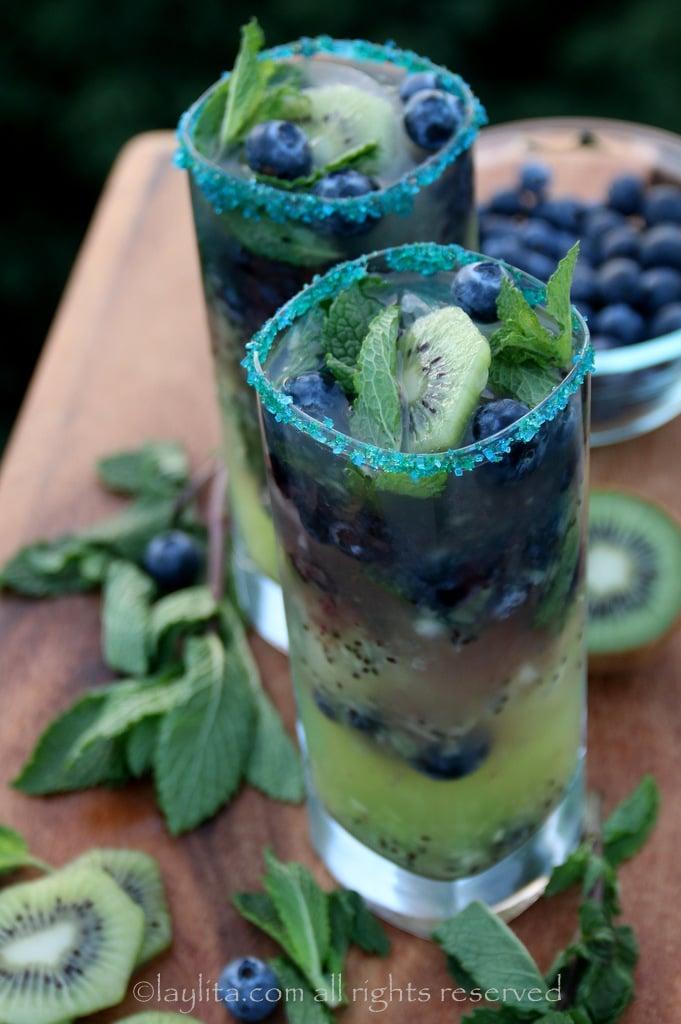Receta para mojitos de kiwi y arandanos o blueberry