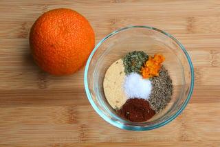 Ingredientes para el adobo o marinada de naranja agria