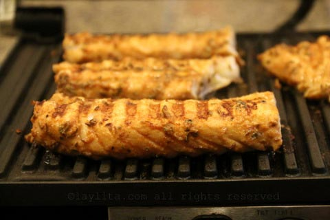 Grilling fish on an indoor panini grill