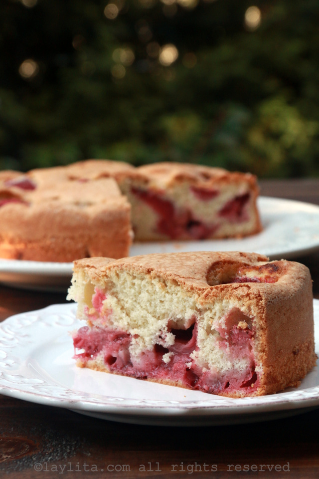 4 ingredient strawberry cake recipe