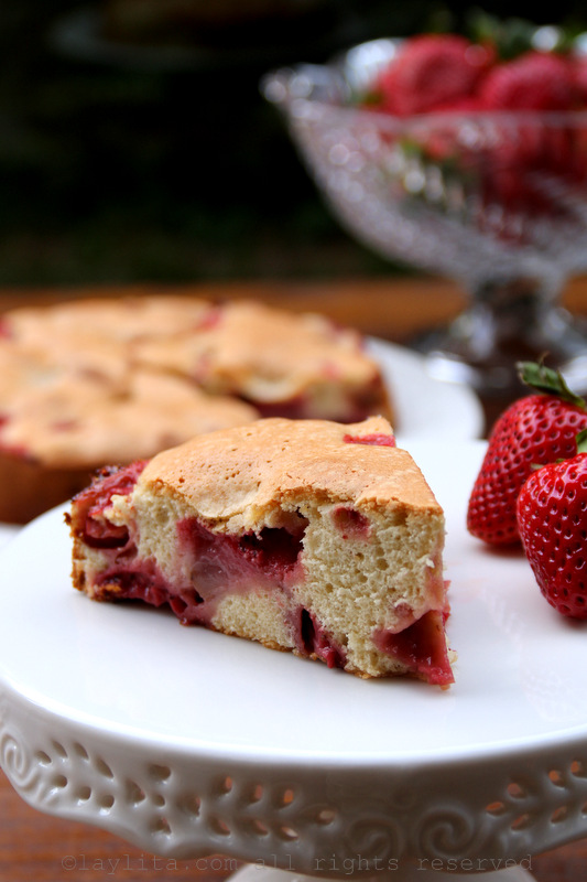 Strawberry cake with only 4 ingredients