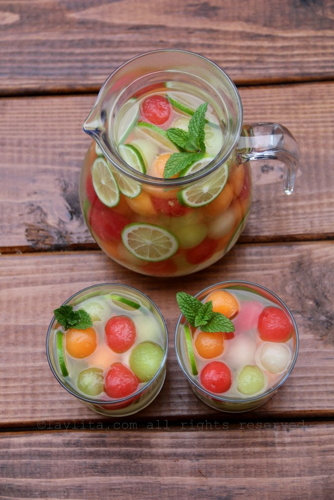 Summer moscato sangria