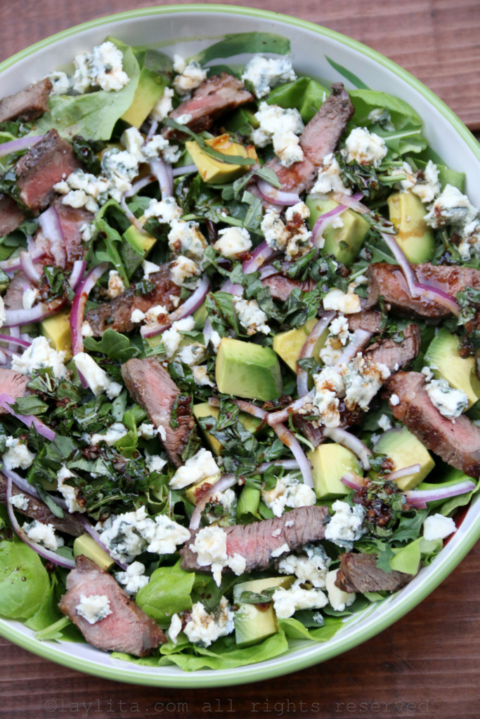 Beef, blue cheese, and avocado salad recipe