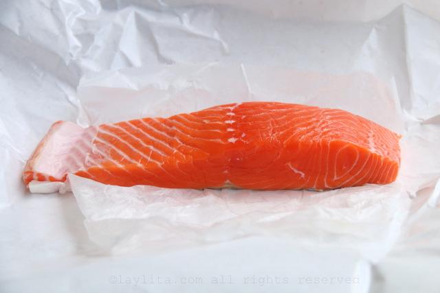 Fresh wild salmon for tartare