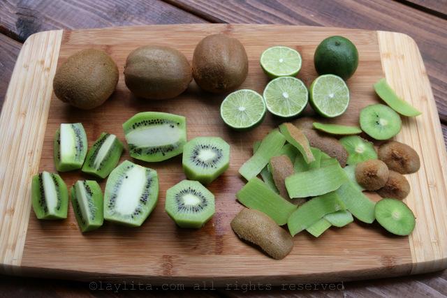 Kiwis for popsicles or paletas