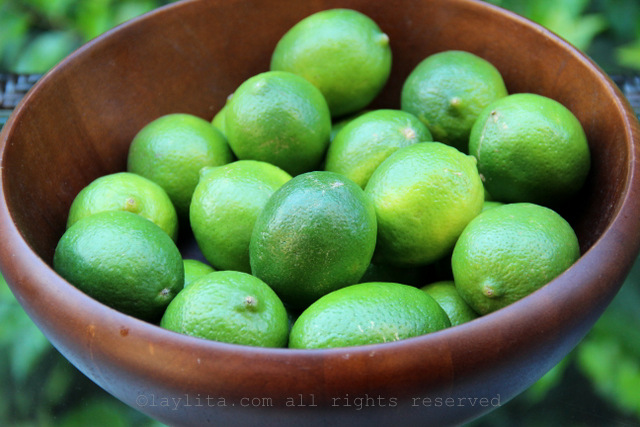 Limes for the white layer of the paletas or popsicles