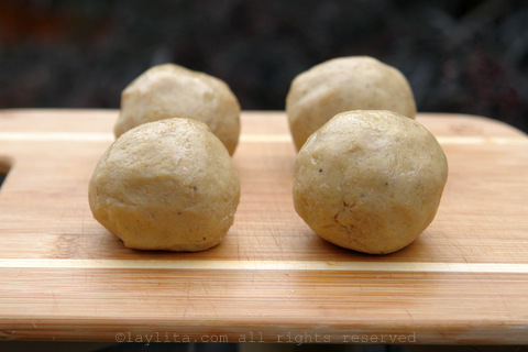 Form small balls with the green plantain dough