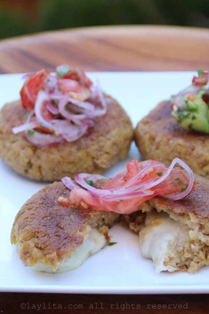 Stuffed green plantain patties or cakes