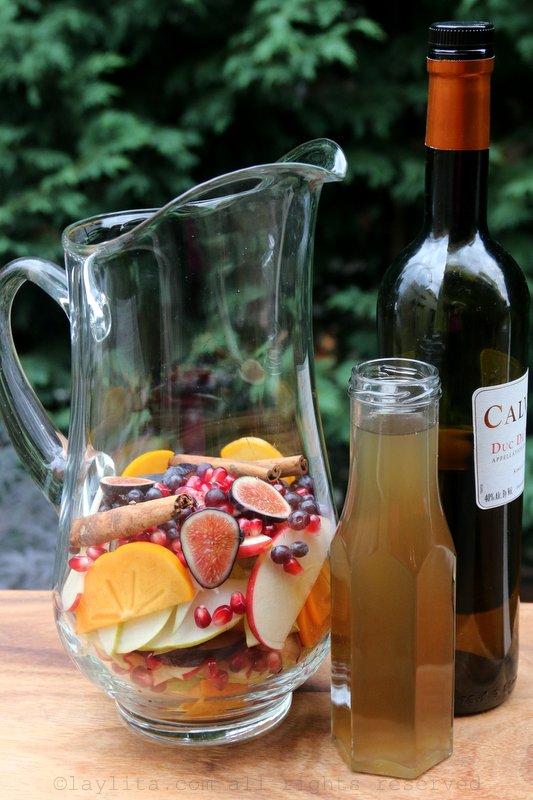 Hard apple cider sangria preparation