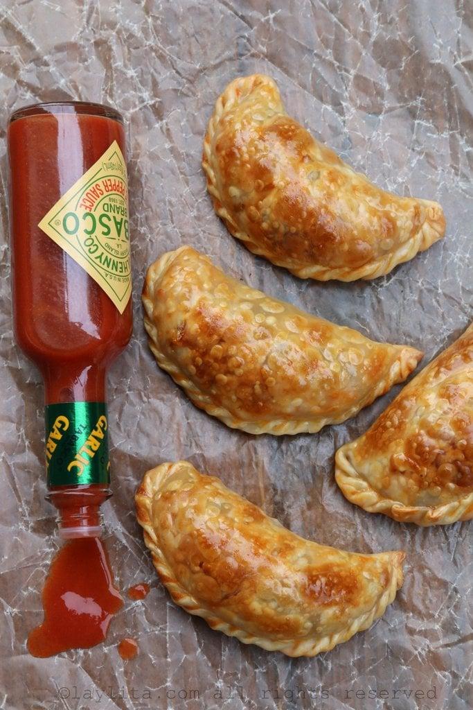 Empanadas picantes de langostino y chorizo o salchicha