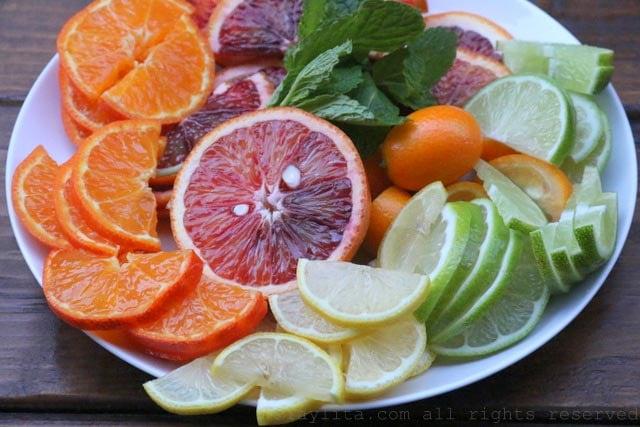 Rodajas de frutas citricas para mojitos