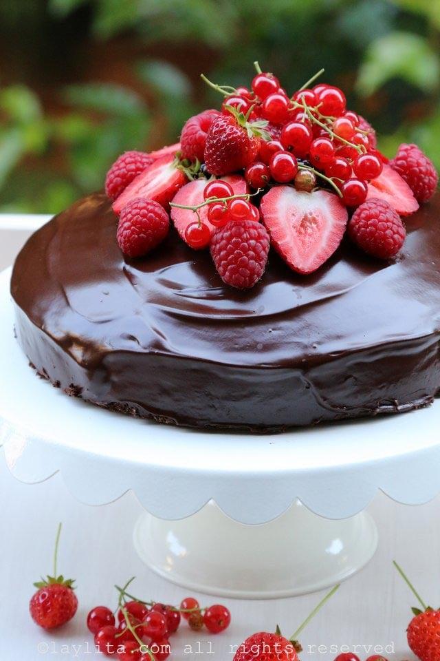 Simple chocolate cake – Laylita's Recipes