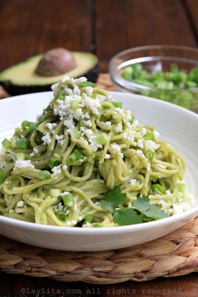 Pasta or spaghetti with avocado sauce