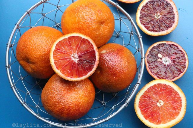Blood oranges to make pisco sour cocktails