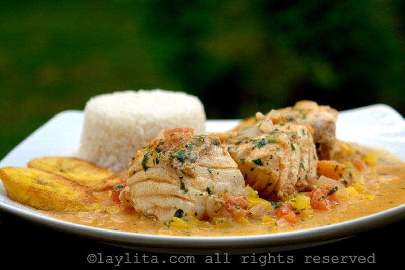 Fish in coconut sauce {Ecuadorian pescado encocado}