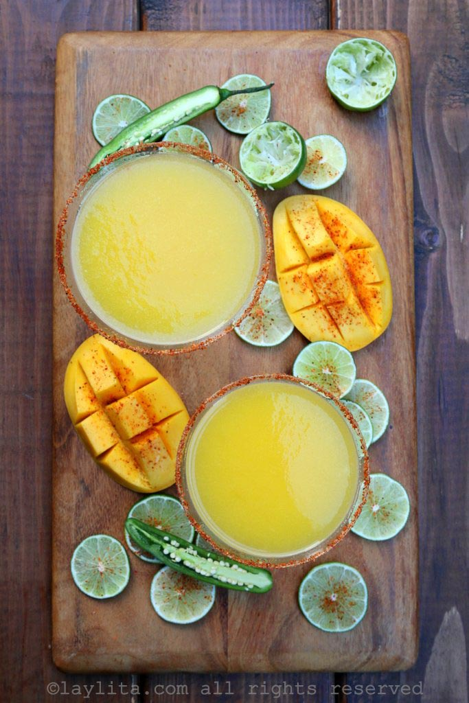 Mango margaritas with a spicy touch