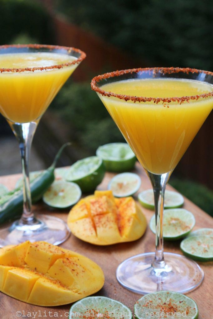 Spicy mango and lime magaritas