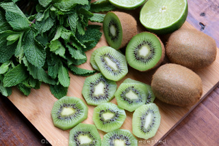 Kiwi and mint for mojitos