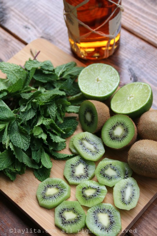 Ingredientes para los mojitos de kiwi
