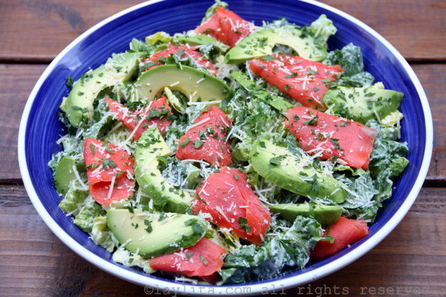 Caesar salad with smoked salmon and avocado - Laylita's ...