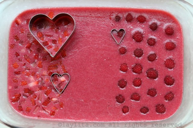 How to make fresh strawberry raspberry gelatin hearts