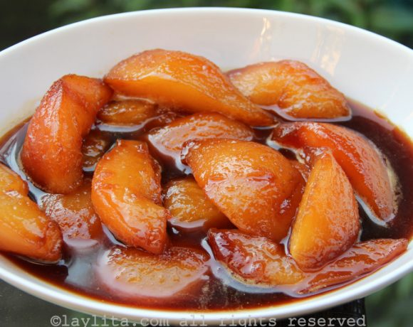 Spiced caramelized pears