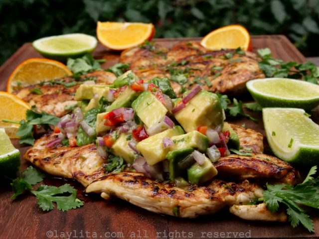 Chicken a la plancha with avocado salsa