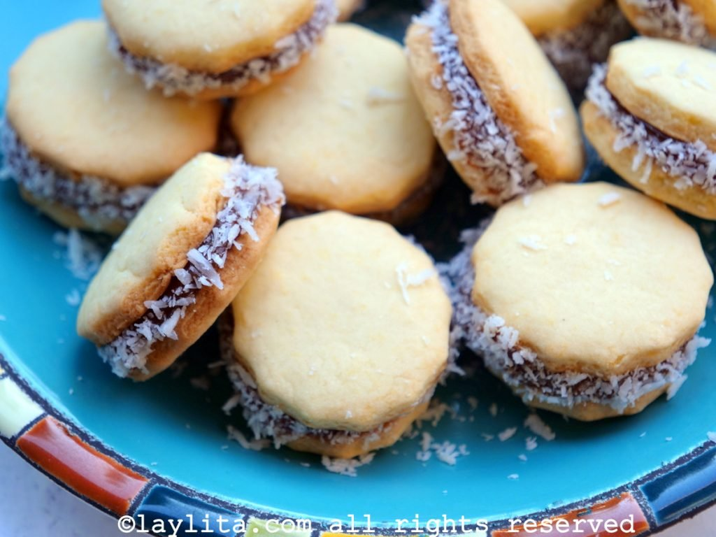 How to make alfajores cookies