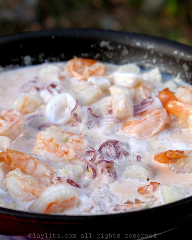 Mixed seafood in a garlic white wine sauce