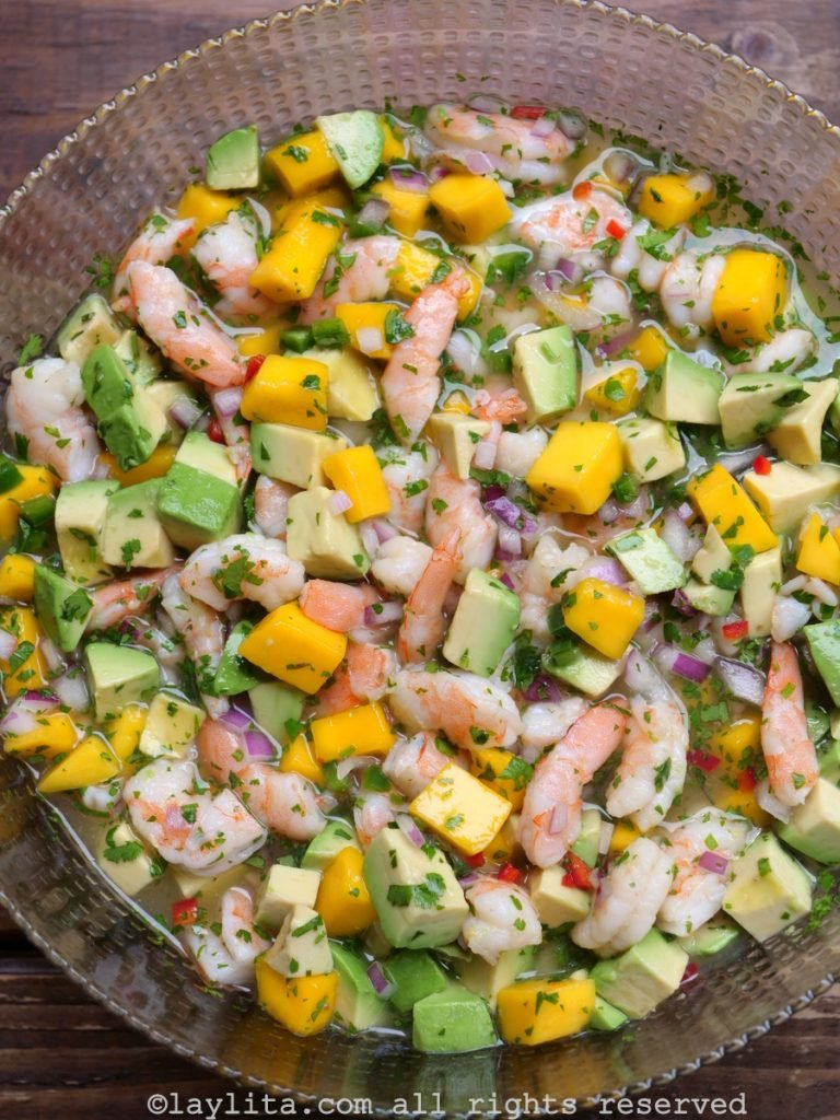 Easy ceviche recipe with shrimp, mango and avocado