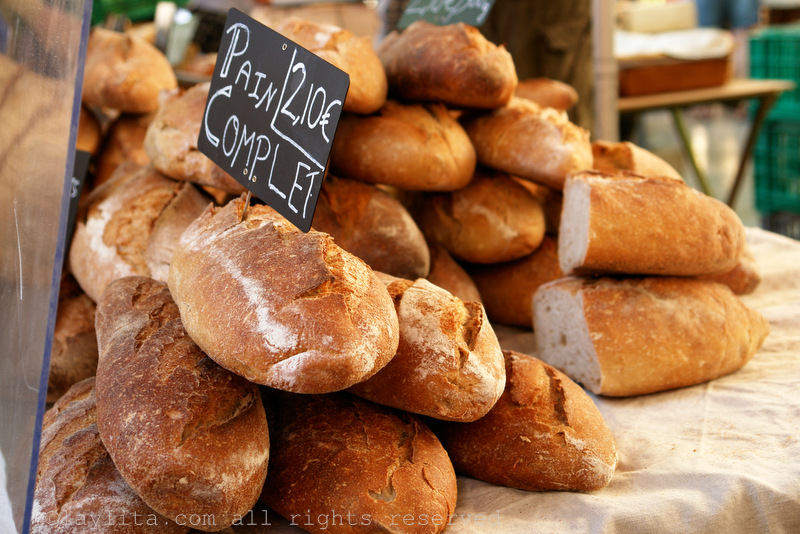Freshly baked bread at the Aix market