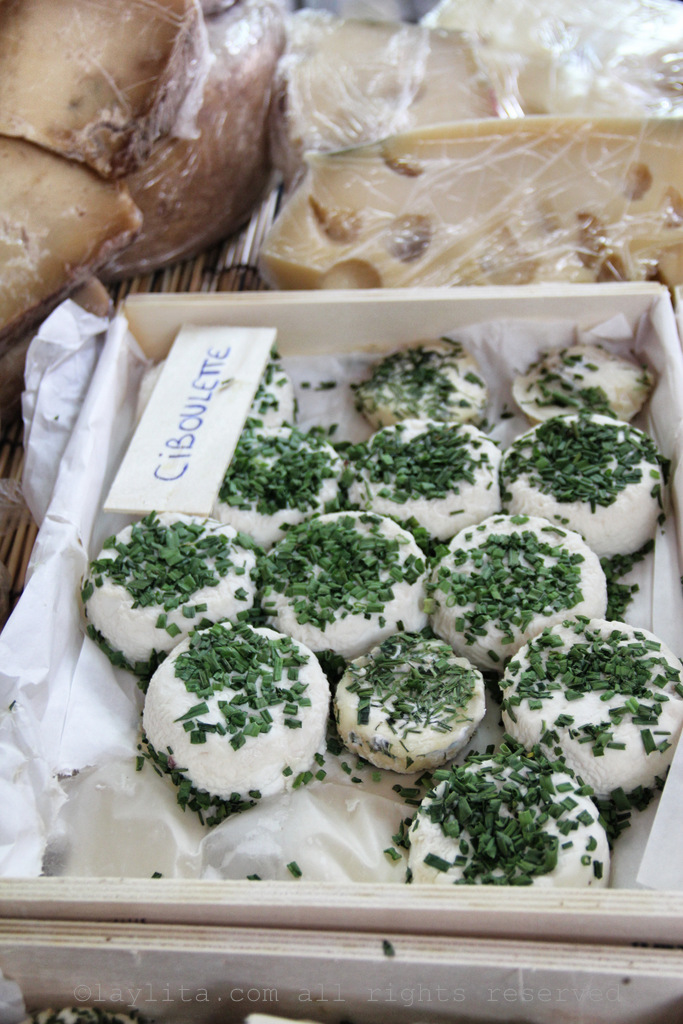 Goat cheese with chives at the Aix-en-Pce market