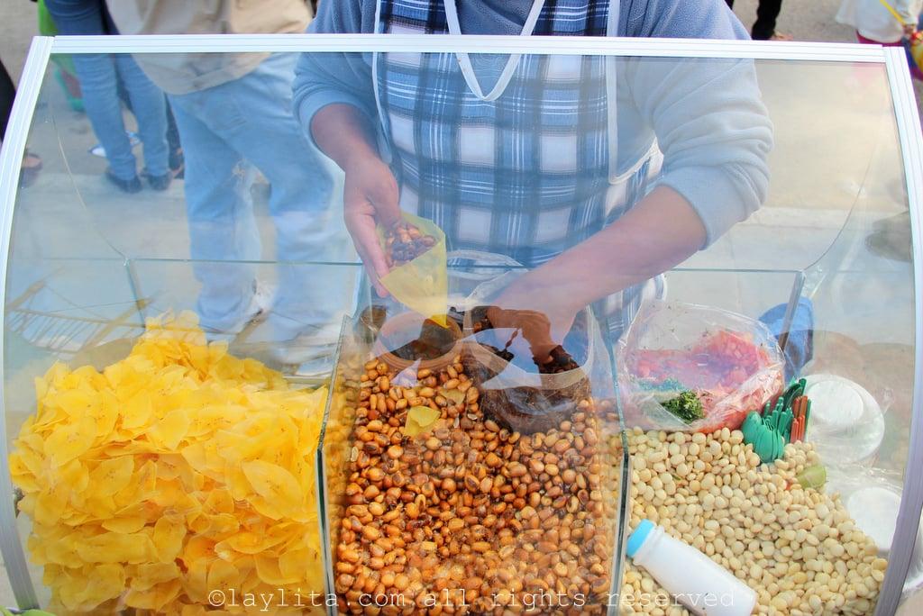 Chochos, tostado and chifles for cevichochos