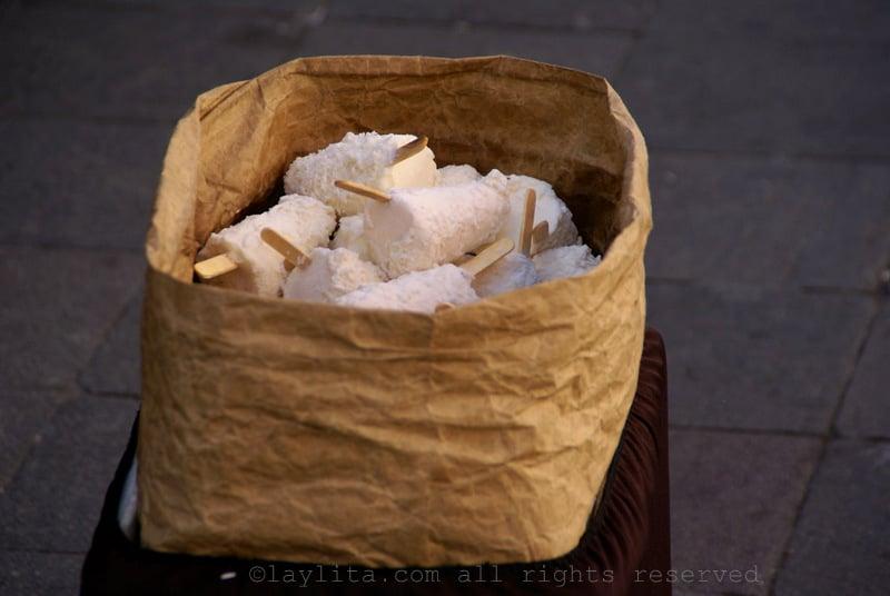 Ecuadorian helados de coco