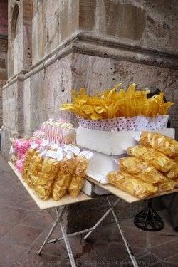 15+ Ecuadorian street foods to try